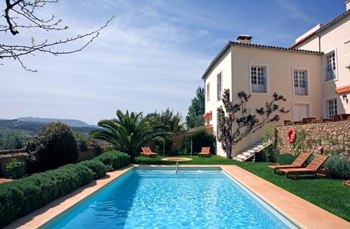 Gu a pr ctica de cuidados de la piscina en verano greenthia for Guia mantenimiento piscinas